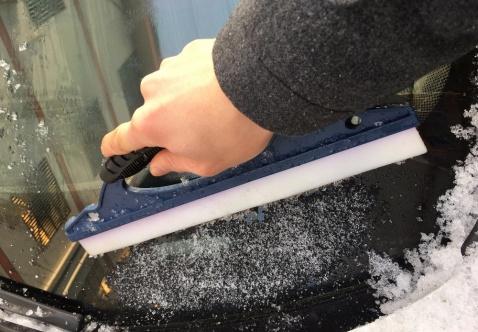 Набор необходимых приспособлений для зимнего времени